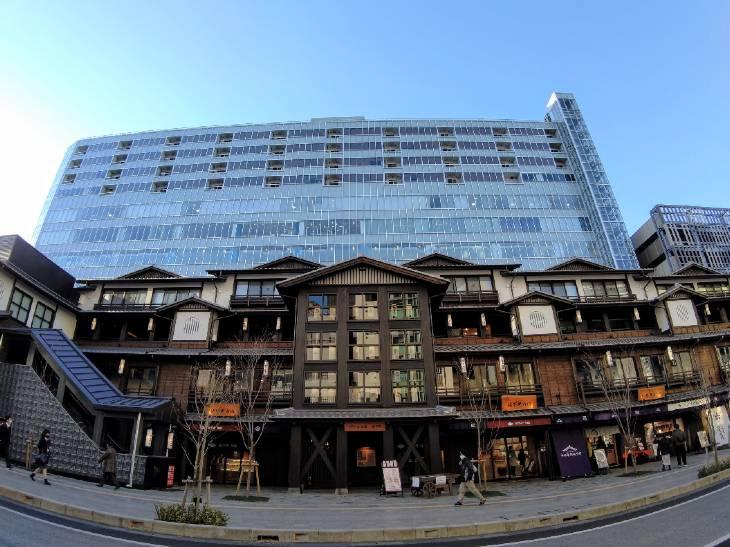 「小田原新城下町」(手前)とタワー棟からなる「ミナカ小田原」