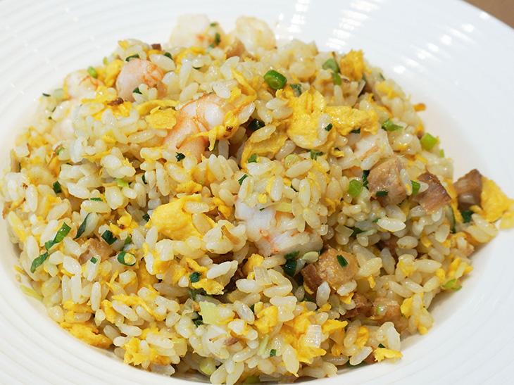 油のプロに聞いた! スーパーで最近よく見かける「こめ油」で作る絶品パラパラ炒飯レシピ