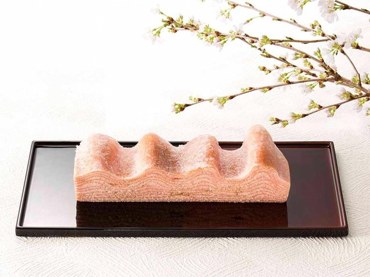 『ねんりん家』の「桜の国のマウントバーム」756円。販売期間:2/19~4/15