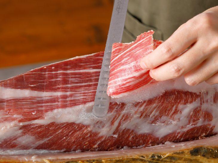 自宅で「原木生ハム」を! 高級食材のお取り寄せ専門サイト『オトナマルシェ MiAppe!』が魅力的