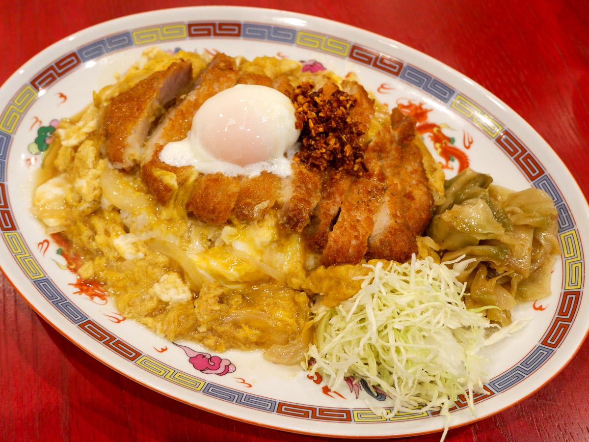 """これぞ""""満腹メシ""""!大阪王将で「50年目の情熱追い玉カツ丼」を食べてきた"""