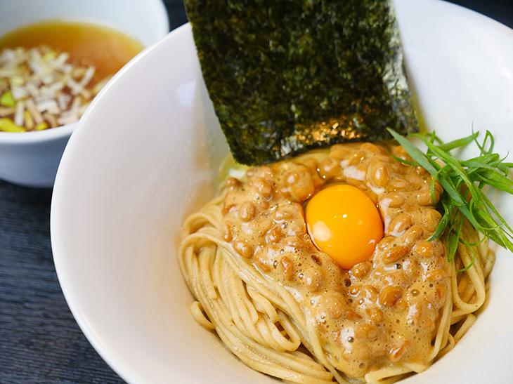 納豆と麺が衝撃の旨さ!『雨ニモマケズ』(十条)で朝限定まぜそばを食べてきた
