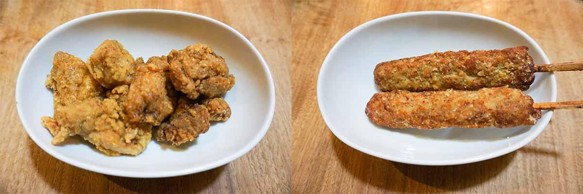 (左)左が「から揚げ」230円(100g・税込)。右が「佐野黒から揚げ」230円(100g・税込)。(右)「やみつきつくね棒」180円(1本)。鶏の軟骨を混ぜた食感も楽しい珍しいメニュー