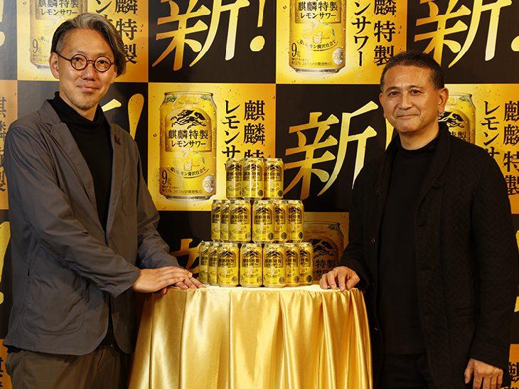 キリンビール・田山智広氏(右)と「食楽」大西編集長(左)