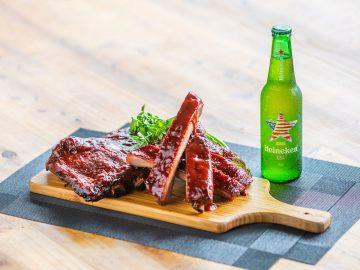 ビールが進みすぎる! 家でも外でも楽しめる世界の「BBQレシピ」