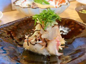 「真鯛と梅水晶の塩昆布和え」690円は、梅水晶の酸味に加え土佐酢で味をまとめた爽やかな一品