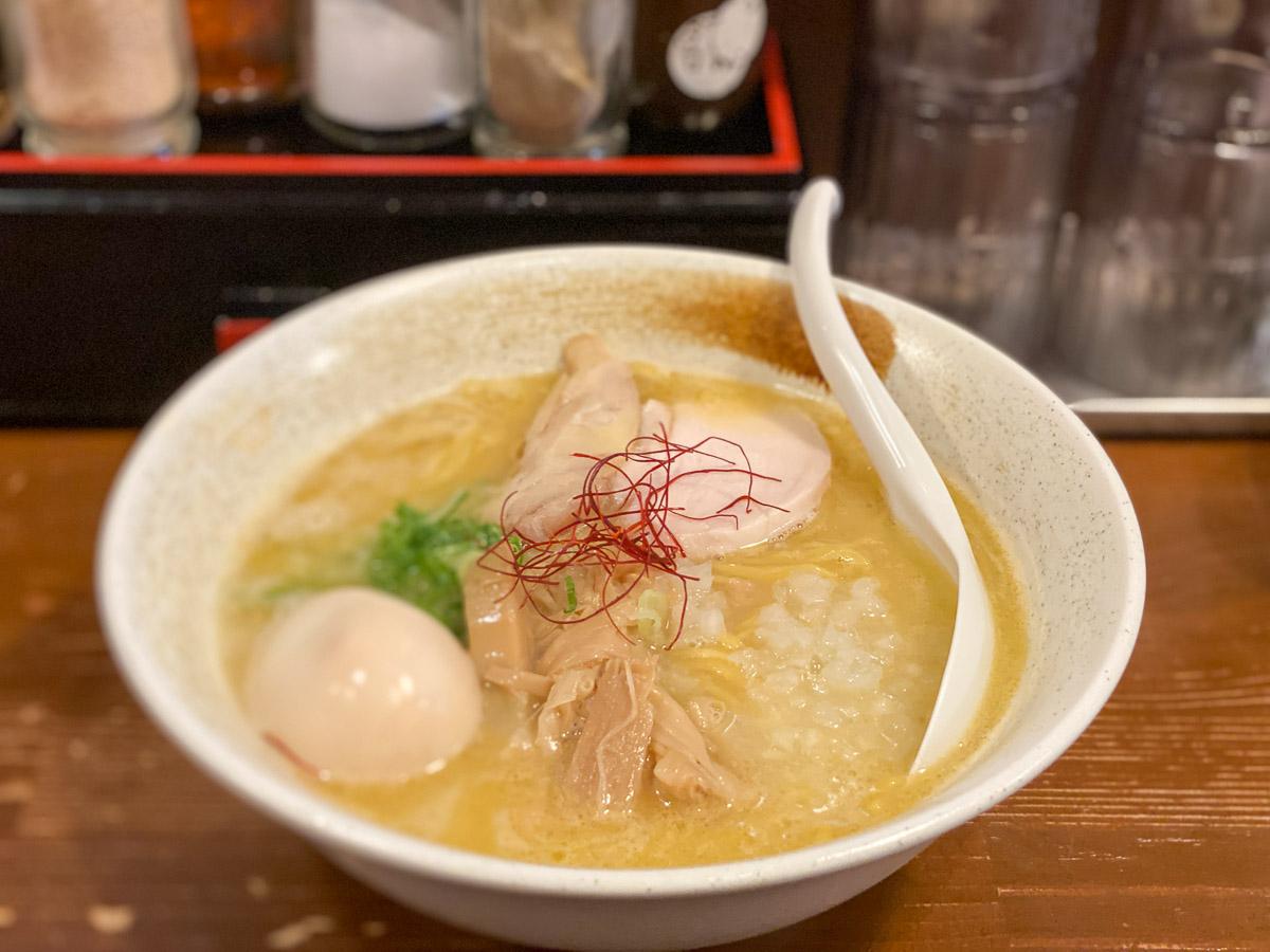 中野『鶏白湯ラーメン麺匠ようすけ』の「濃厚白湯鶏そば」(塩)800円