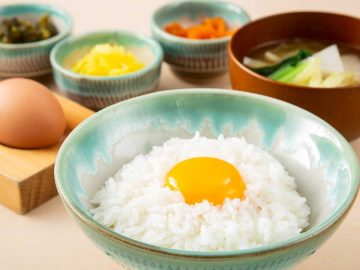 メニューはTKGと卵丼と親子丼だけ! 行列ができる卵料理専門店『うちのたまご』の魅力とは?