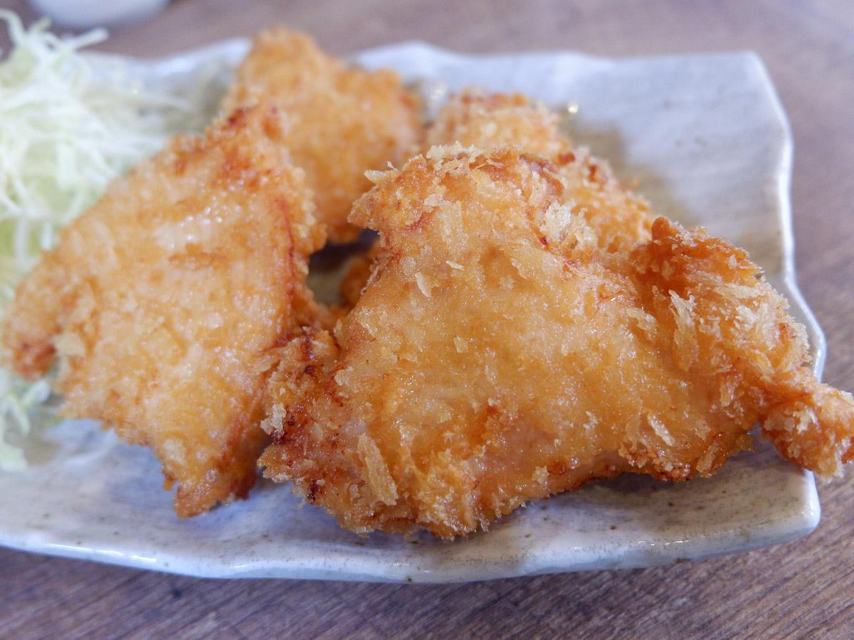 鳥の旨みが炸裂! 柏の鶏料理店『ひよこ食堂』でウマすぎる「からあげ定食」を食べてきた