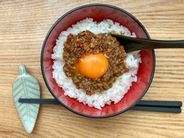 ようやくゲットした「元祖 炊きたてご飯にかける焼肉」は究極に贅沢な味だった!